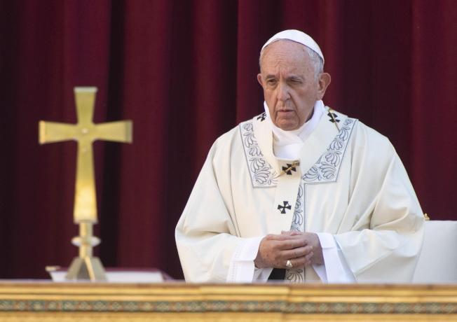 天主教教宗方濟各預定11月訪問日本,圖為方濟各23日在羅馬的聖瑪莉亞教會主持彌撒。歐新社