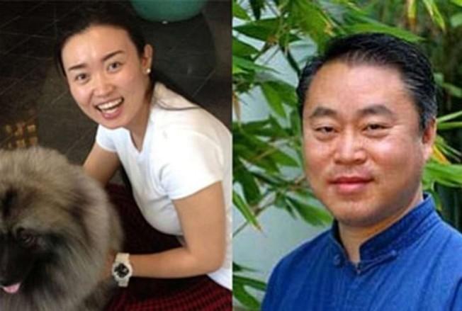 2016年韓偉東醫師滅門案震驚社區。圖為遇難的韓偉東(右)與妻子于匯杰。(本報資料照片)