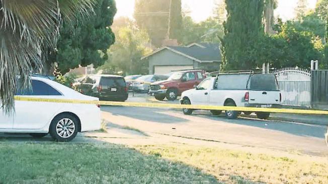 越裔男子槍殺四人的現場,位於聖荷西Habbitts街500號街段的一棟住宅。(電視新聞截圖)