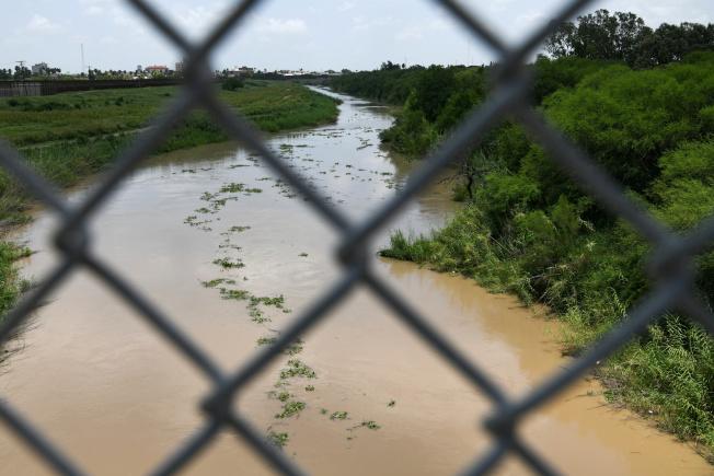 分隔美墨邊界的葛蘭德河(Rio Grande),不少中南美洲偷渡客為追求美國夢,而喪身河水。(路透)
