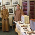 佛光山贈書萊斯大學 推佛教藝術
