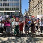 捍衛SHSAT 200家長市府前示威