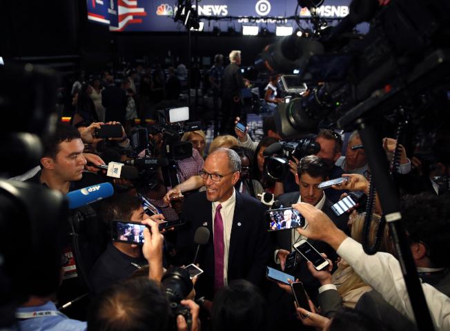 民主黨全國黨部主席斐瑞斯回答媒體。(Getty Images)