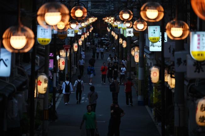 G20峰會6月28日至29日在日本大阪舉行,為了向世界領袖展現日本最佳的一面,大阪傳統紅燈區店家罕見自主規範,在峰會期間暫停營業。Getty Images