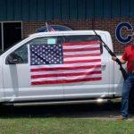 福特車商促銷買車送槍 網友:這很美國