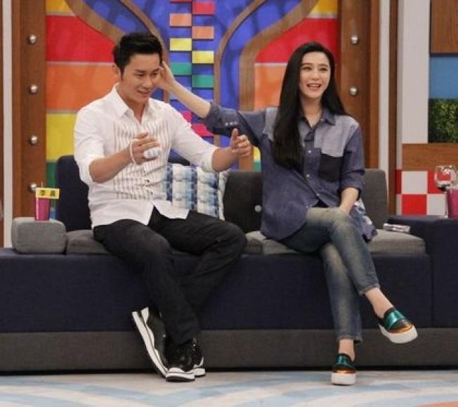 李晨(左)曾與范冰冰(右)一起在「康熙來了」節目中放閃。(圖:中天提供)