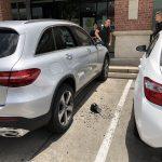 敦煌廣場傳竊案 暫停車被砸窗