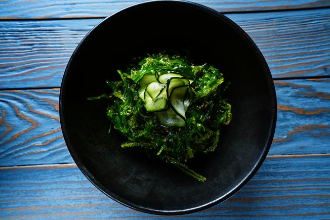 多吃蔬菜和海藻類對身體有益。 圖/ingimage