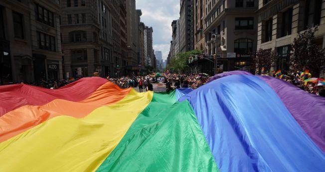 今天中午開始的紐約市同志大遊行估計至少將有300萬人參加。(Getty Images)