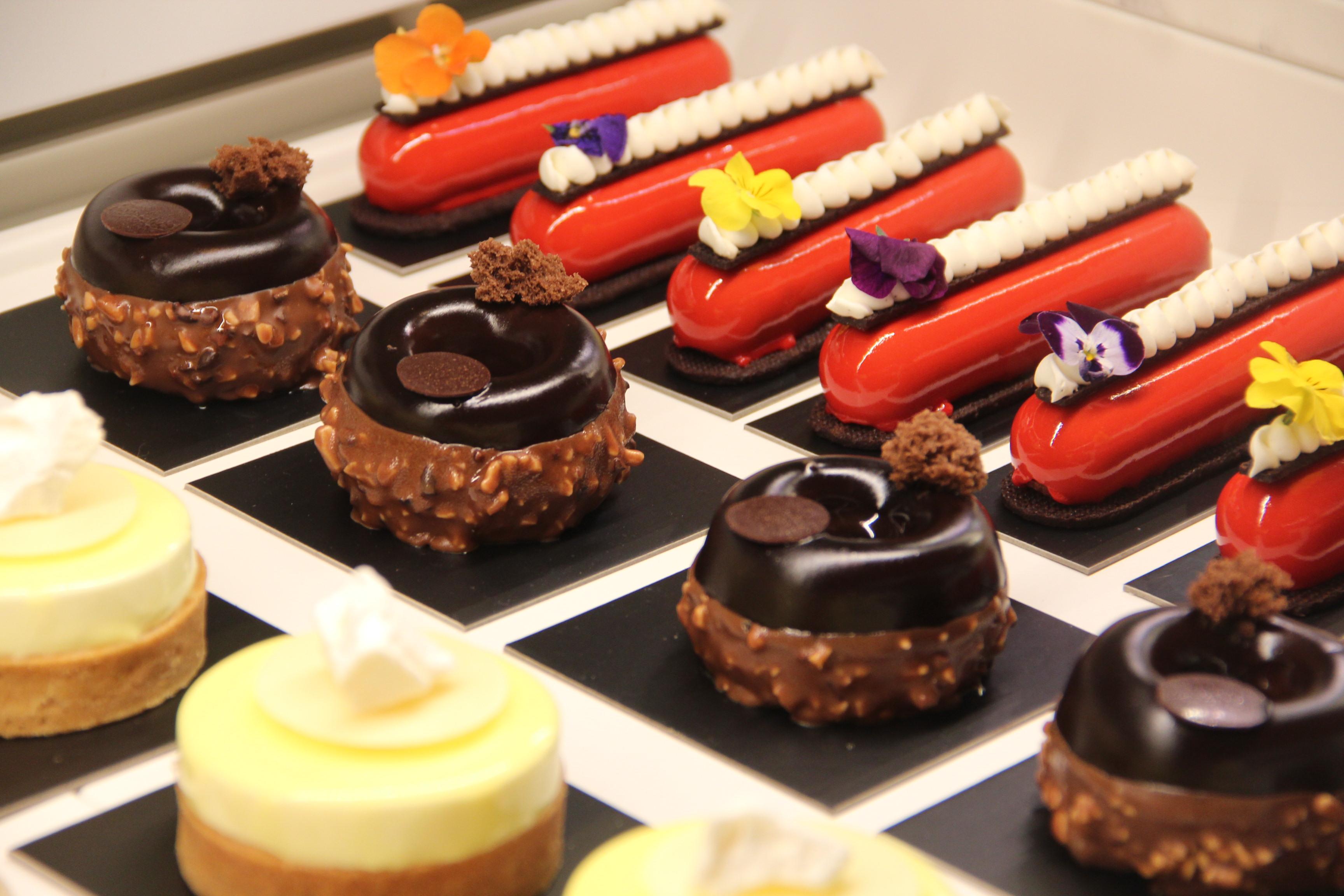ONE65的一樓和二樓有糕點甜點售賣。(記者李晗 / 攝影)
