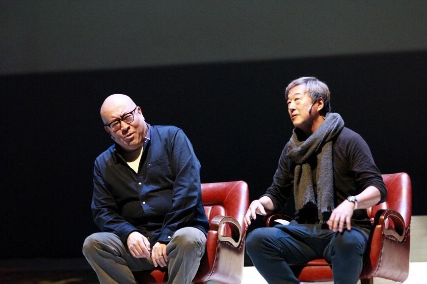 舞台劇《往事只能回味》二大主角田浩江(左)和王偉忠(右)。