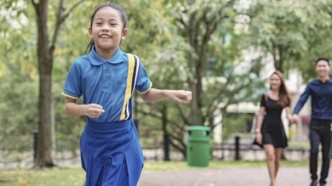 現代兒童心理發展專家普遍認同,Goldilocks教養觀能為子女營造更健康安全的成長環境。(iStock)