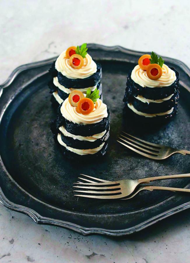 斑馬三明治蛋糕。(圖:臉譜出版提供)