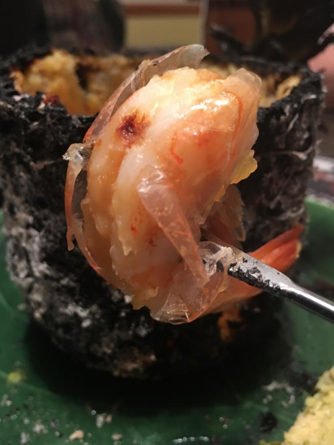 5.鳳梨的甜、蝦肉的鮮,融為一種新的美味。