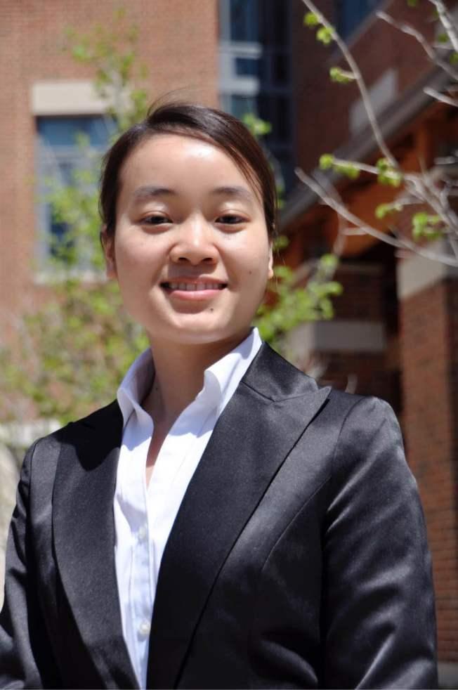 徐凌飛律師歡迎有入境超過一年並認為自己符合申請政治庇護要求的僑胞諮詢。