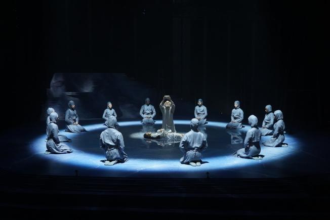 《龍泉鳳舞》劇中一景。(許振輝/攝影)