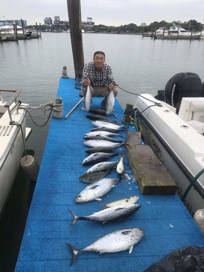 Peter袁說,現在參加船釣和船遊的華人日益增多。(圖:Peter袁提供)