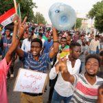 蘇丹萬人示威槍響 至少7死181傷