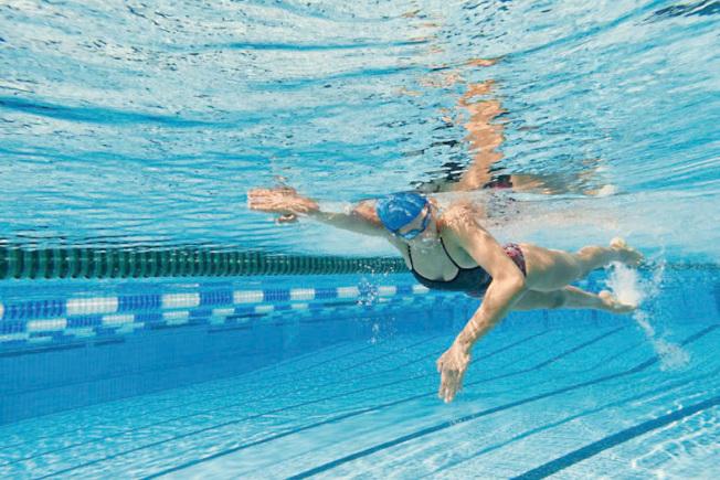游泳是有益全身的好運動。 (Getty Images)