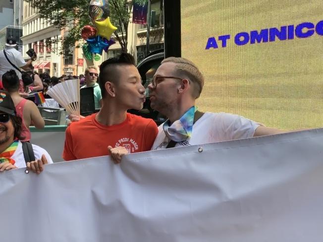 吳一凡(左)三年前與美國的伴侶Matthew(右)步入婚姻殿堂。(記者和釗宇/攝影)
