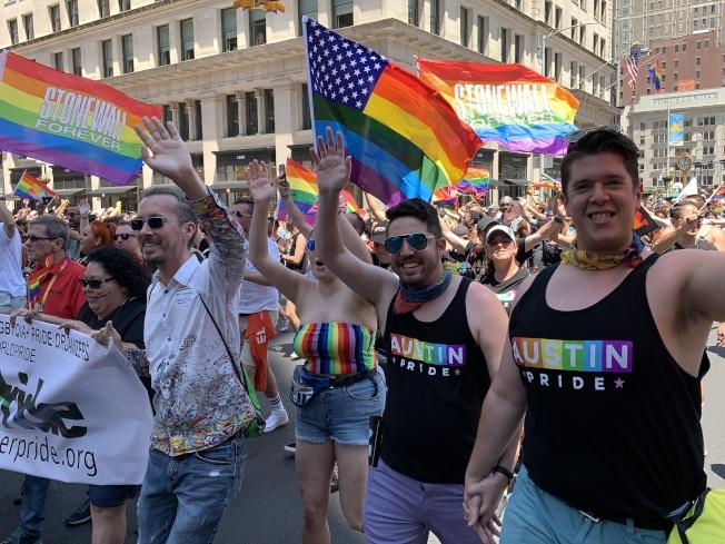 紐約市「同志自豪大遊行」熱鬧登場。(記者和釗宇/攝影)