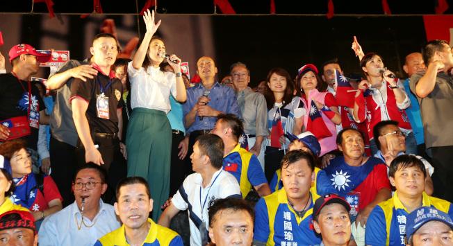 高雄市長韓國瑜6月30日晚在新竹舉辦造勢活動,現場氣氛熱烈。(記者侯永全/攝影)