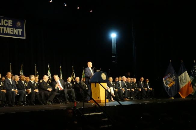 市警學院畢業典禮歐尼爾發言。(記者金春香/攝影)
