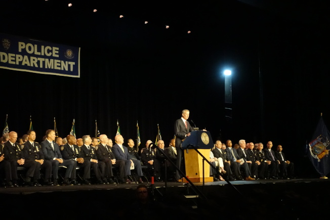 市警學院畢業典禮白思豪發言。(記者金春香/攝影)