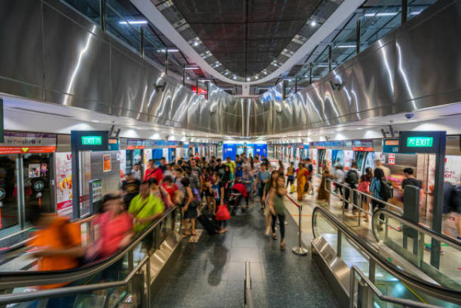 新加坡的交通轉駁導向開發計畫值得夏州師法,圖為新加坡港灣地鐵站。(Getty Images)