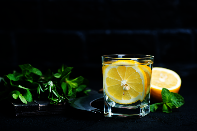 想為日常生活增加一些冒險行為嗎?英國薩塞克斯大學一項研究建議,可以來杯檸檬水。 圖/ingimage