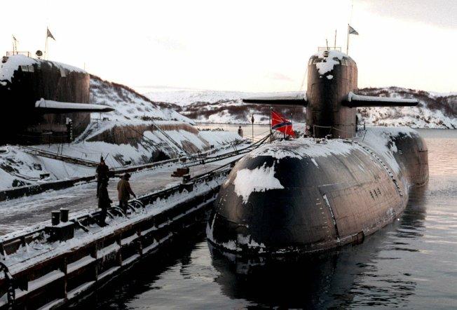 俄羅斯海軍一艘深海潛艇1日在西北部科拉半島的北冰洋北莫爾斯克(Severomorsk)海域執行研究任務時失火,造成14名水手死亡。(美聯社)