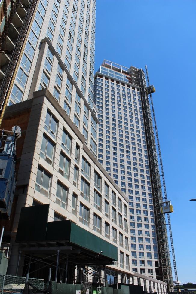 夏季是租客搬家的高峰期,紐約市7月的第二周和第三周將迎來最大的租房熱。(記者劉大琪/攝影)