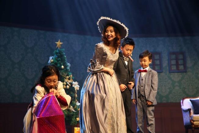 兒童音樂劇《賣火柴的小女孩》劇照。(圖:丫丫提供)