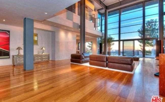 鄧紫棋4月在洛杉磯租賃的豪宅月租金標價2萬7500元。(地產網站MLS圖片)