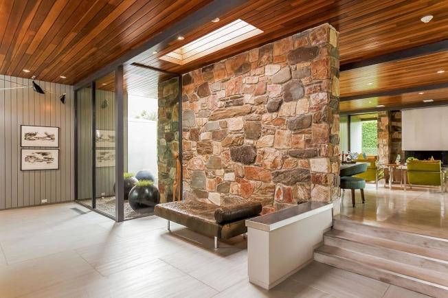 影帝李奧納多狄卡皮歐位於棕櫚泉的度假屋出租。(取自網站432hermosa.com)