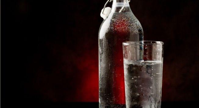 網傳氣泡水有解便秘、消疲勞、促代謝等好處,其實喝水就可達到。(取材自ingimage)