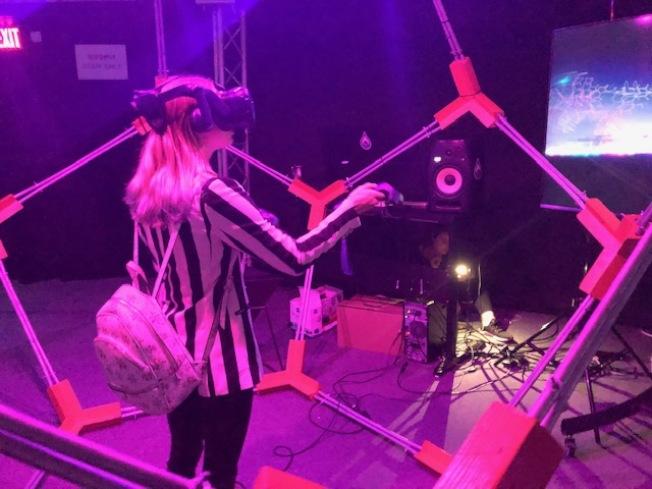 VR互動區。(記者張宏/攝影)