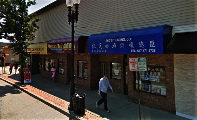 昆市華人人口迅速增加,Hancock 街不少中文招牌的店舖。(取材自谷歌地圖)