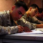 軍隊考試有門檻 培訓班助華人