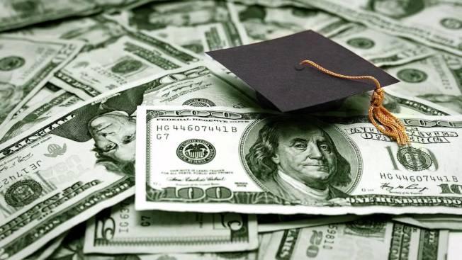 紐約人的平均學貸債務10年內上升36%。(取自YouTube)