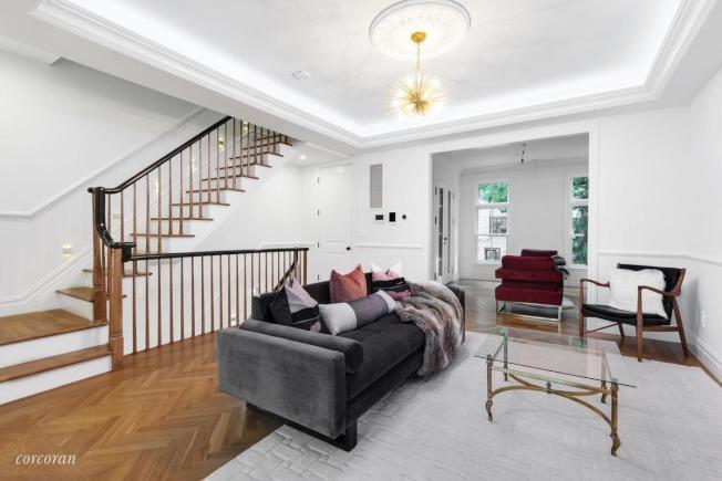 約約房屋的平均裝修費用可達7萬7818元,比搬家高出1萬7818元。(取自StreetEasy)