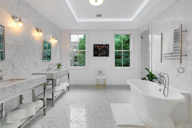 在布碌崙改造浴室的平均價格是2萬6473元,但在曼哈頓是2萬4635元。(取自StreetEasy)
