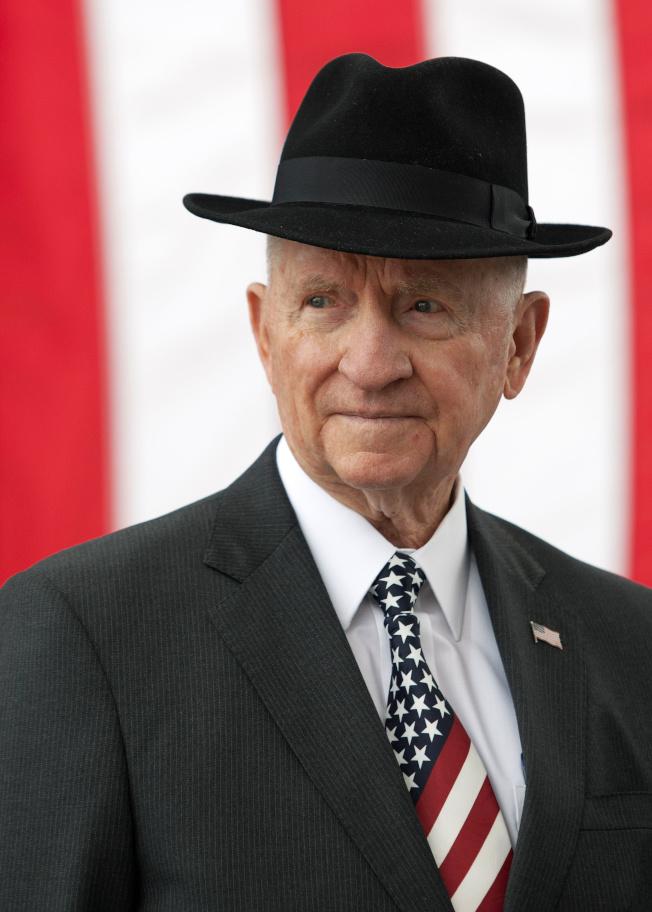 曾兩度出馬競選總統的億萬富豪裴洛9日過世,享年89歲。(路透)