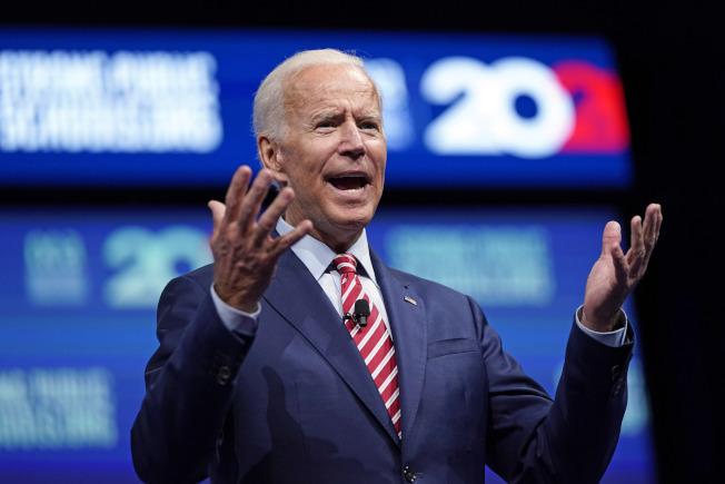 民主黨初選,在全國民調中,前副總統白登支持度30%,擴大領先優勢。(美聯社)