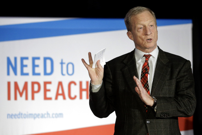推動彈劾川普不遺餘力的億萬富翁史泰爾,宣布他將加入民主黨初選,爭取總統提名,直接與川普對抗。(美聯社)