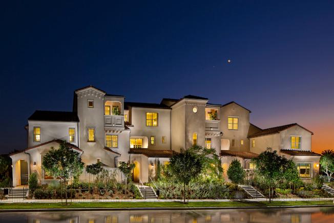 Carissa社區的房子居住面積最高達1590平方呎,售價從70多萬元起跳。(California Pacific Homes提供)
