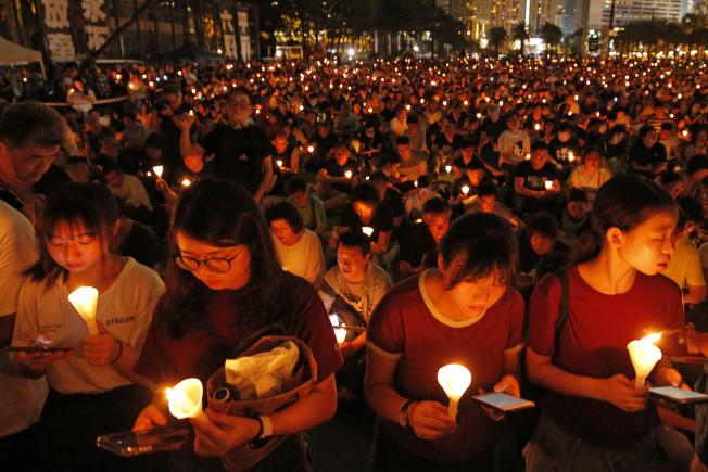 香港每年都舉行紀念六四燭光晚會。(美聯社)