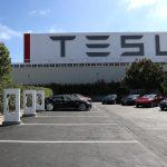 Tesla前員工投訴 懷孕、請假都解雇