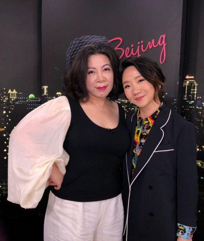 陶晶瑩(右)和陳文茜異口同聲表示下輩子要做男人。(圖:Yahoo TV提供)