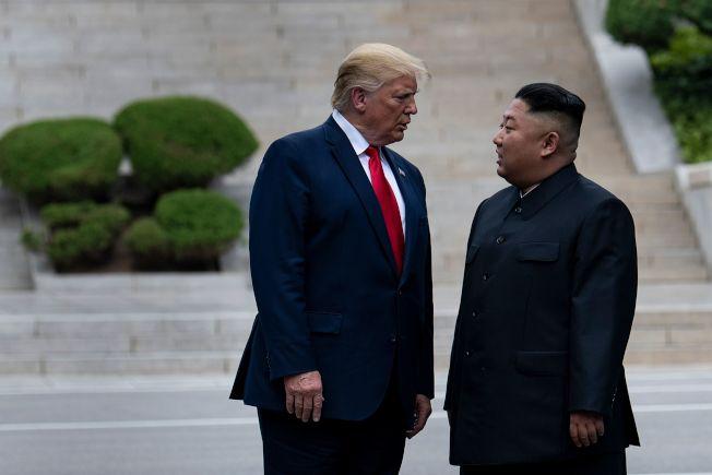 川普與金正恩6月30日在兩韓非軍事區第三度會面。(Getty Images)